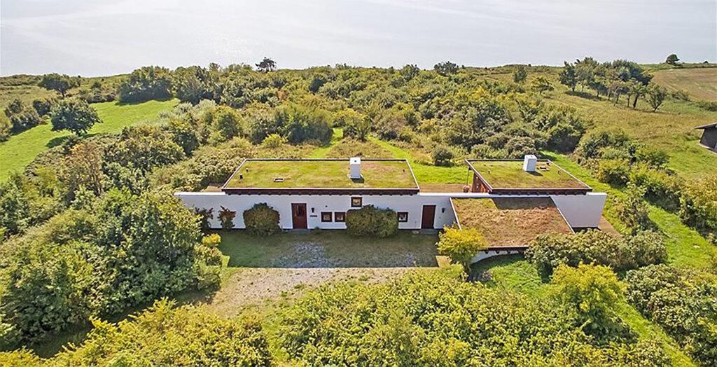 Sommerhus til salg på Mols. Fed, unik arkitektur.