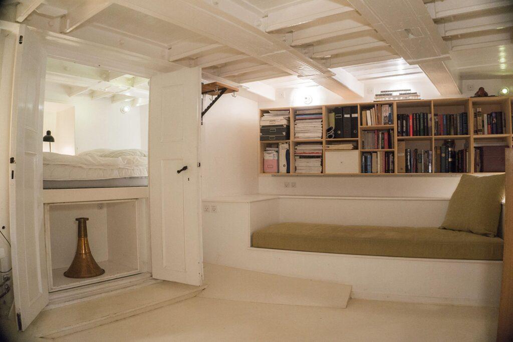 Husbåd soveværelse. Under dæk