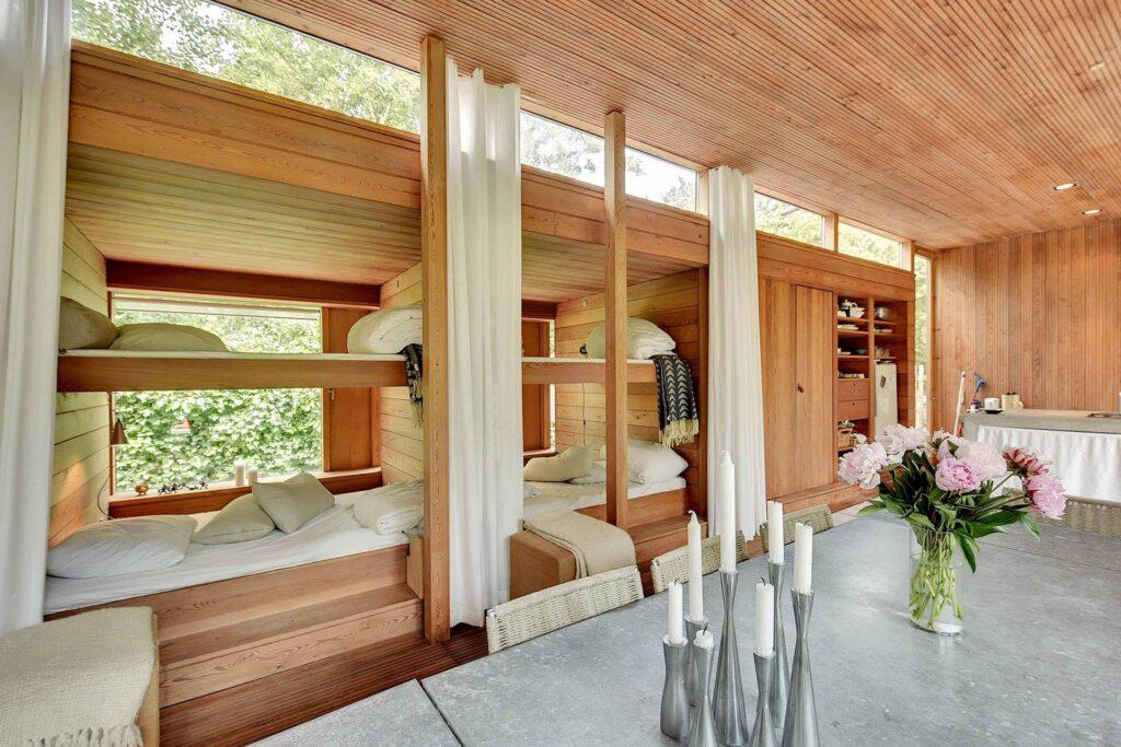 arkitekttegnet sommerhus, lækkert interiør, træhus