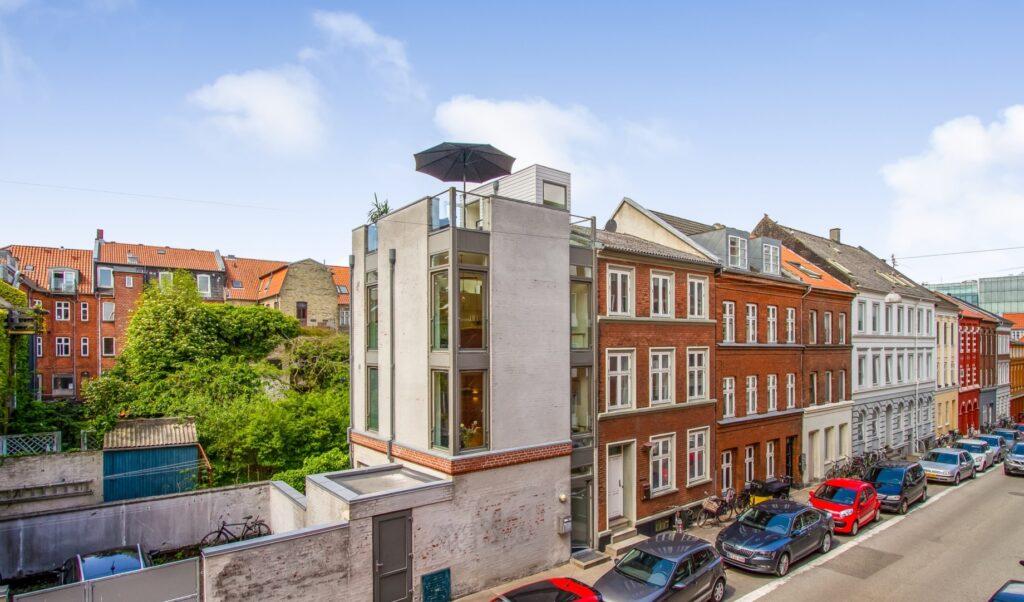 Byhus til salg, urban arkitektur,