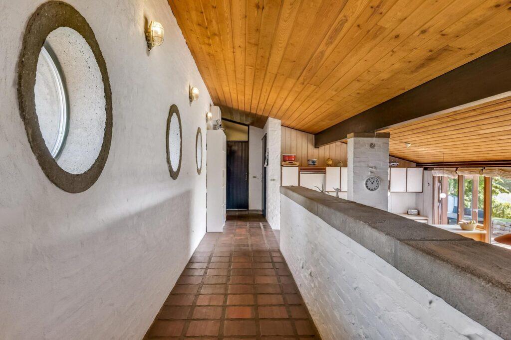 Rustikt 70'er hus, Arkitekttegnet bolig i Juelsminde, beton i huset