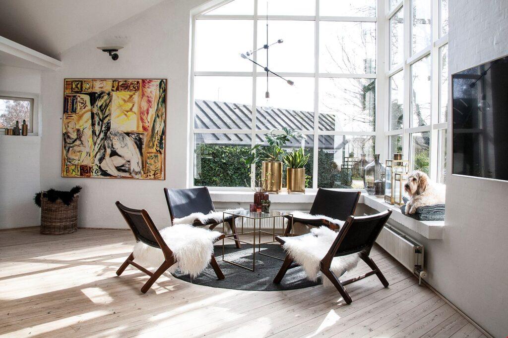 fantastisk vinduesparti, Arkitekttegnet hus i Faldsled til salg. Arkitekttegnet bolig