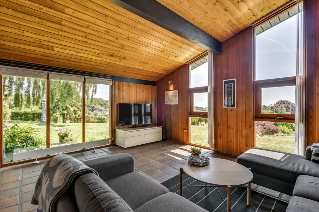 Vægbeklædning i fyrretræ, Arkitekttegnet bolig i Juelsminde