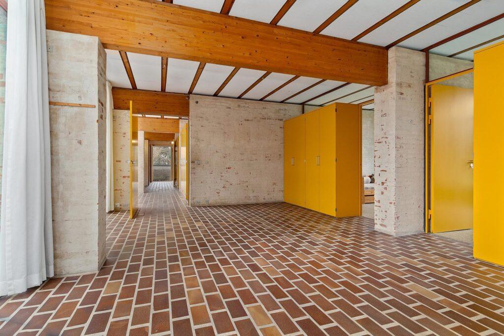 Bornebusch villa Hoff, Søllerød. Teglgulv, smukt rum, arkitekttegnet
