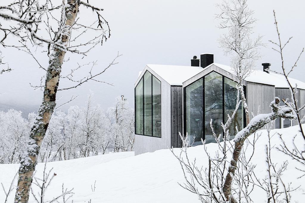 Split view mountain lodge, arkitekttegnet feriehytte i Norge