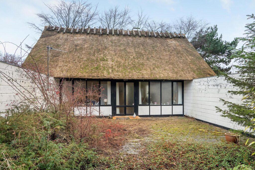 Stråtækt hus til salg på fyn. Unikt fritidshus