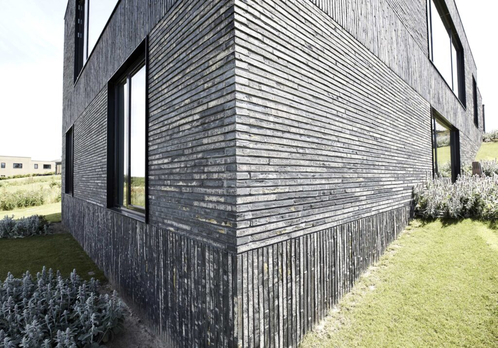 Arkitekttegnet hus til salg, minimalistisk nybygget villa, Kolumba Tegl