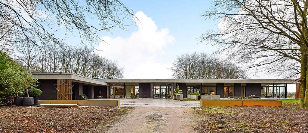 Modernistisk villa, arkitekttegnet modernistisk villa