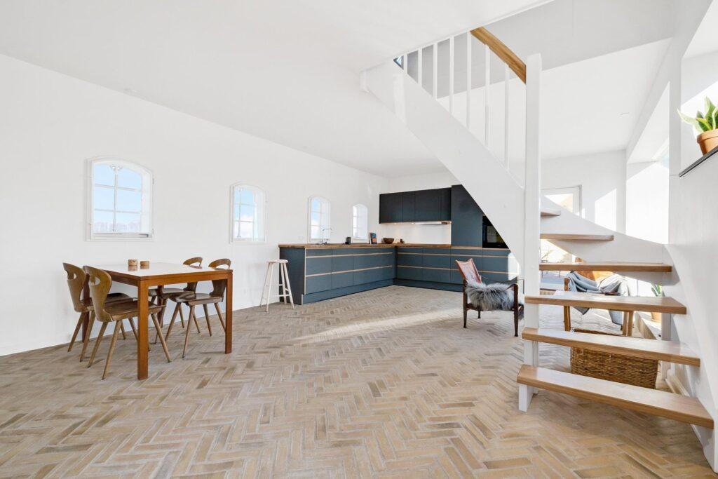 Smuk stue i historisk hus i Gentofte, villa ved Gentofte Sø