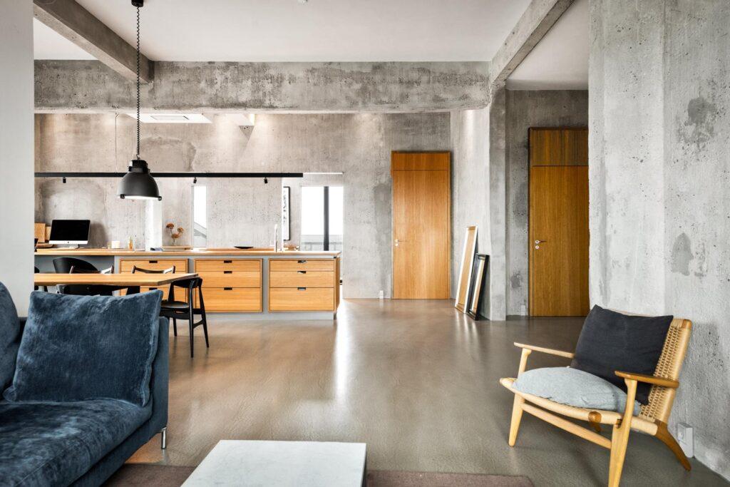 The Silo, køkken alrum, rå betonvægge, gammel silo omdannet til lejligheder
