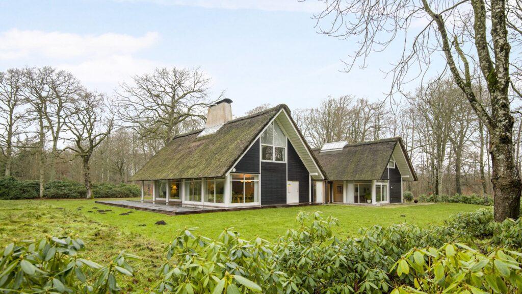 Skovhytte, arkitekttegnet landhus, arkitekttegnet skovhytte, moderne skovhytte, modern cottage, Dronninggård Skov