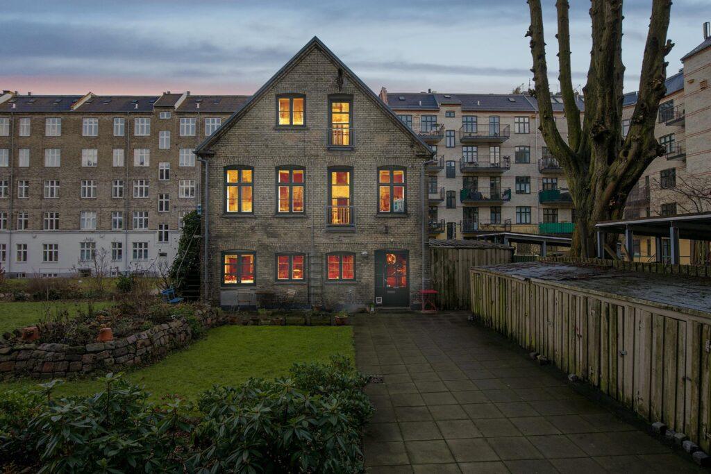 Hyggeligt byhus på Frederiksberg. Bolig i det gamle værksted på Frederiksberg