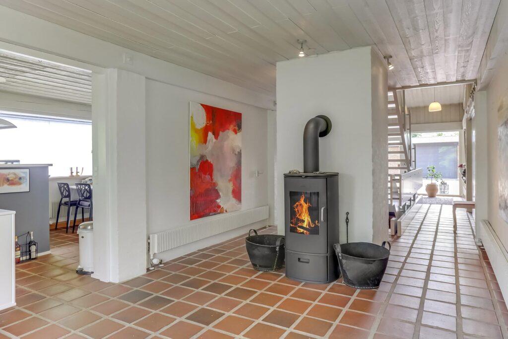 arkitekttegnet 70er hus med rustikt køkken alrum